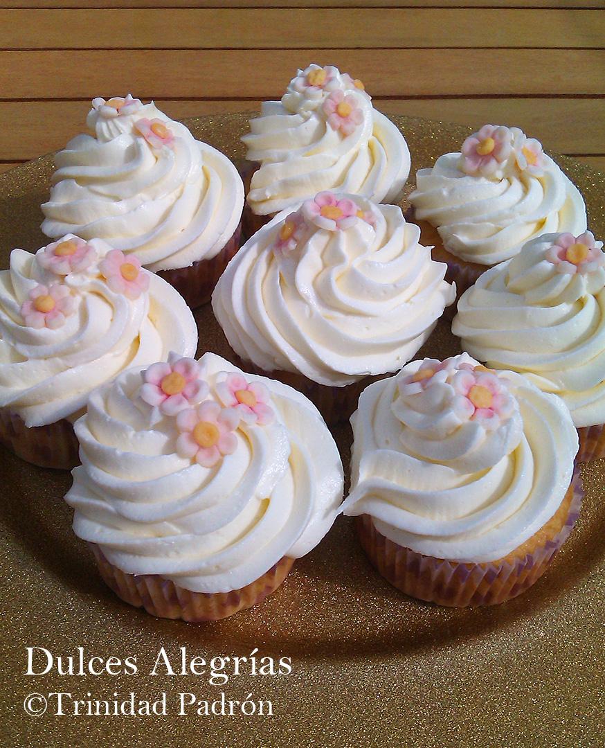 ©Trinidad Padrón Cupcakes vainilla buttercream frosting