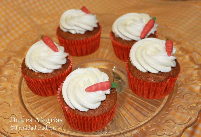 ©Trinidad Padrón Cupcakes de zanahorias con buttercream de crema de queso 02