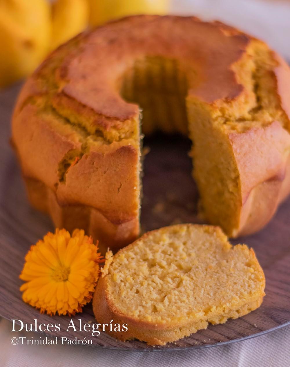© Trinidad Padrón Bundt cake de naranja, limón y calabaza