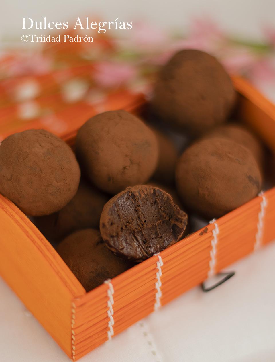 ©Trinidad Padrón Trufas saludables de aguacate y chocolate DA
